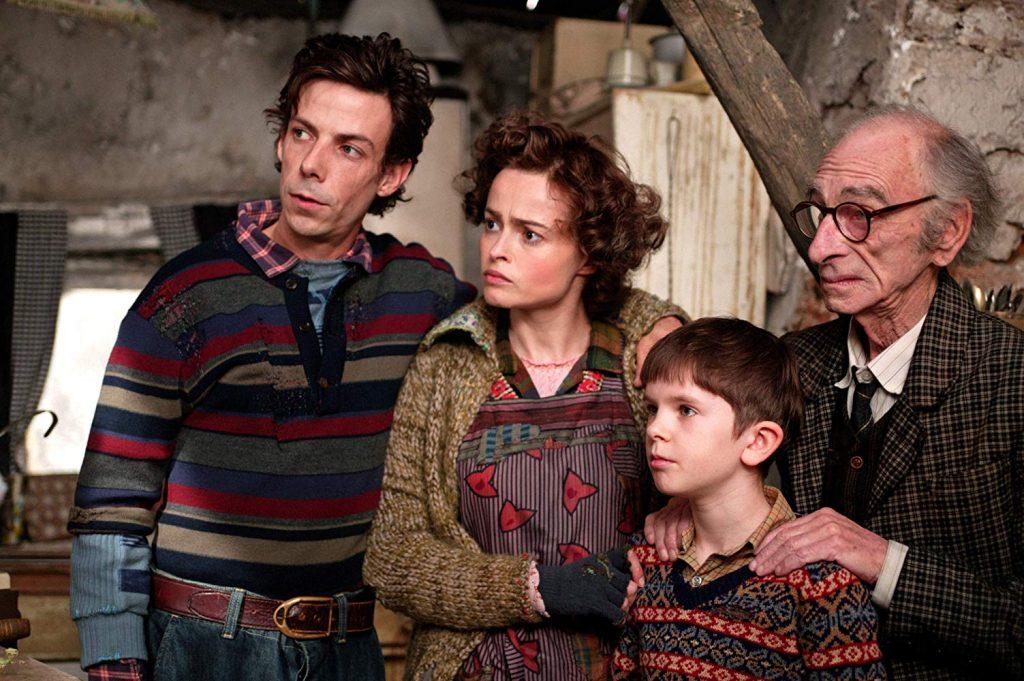 チャーリーの家庭は貧しいが愛情たっぷり