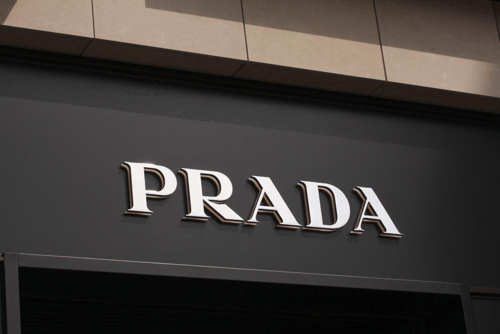 ブランド名が出ることを許可したプラダに驚き