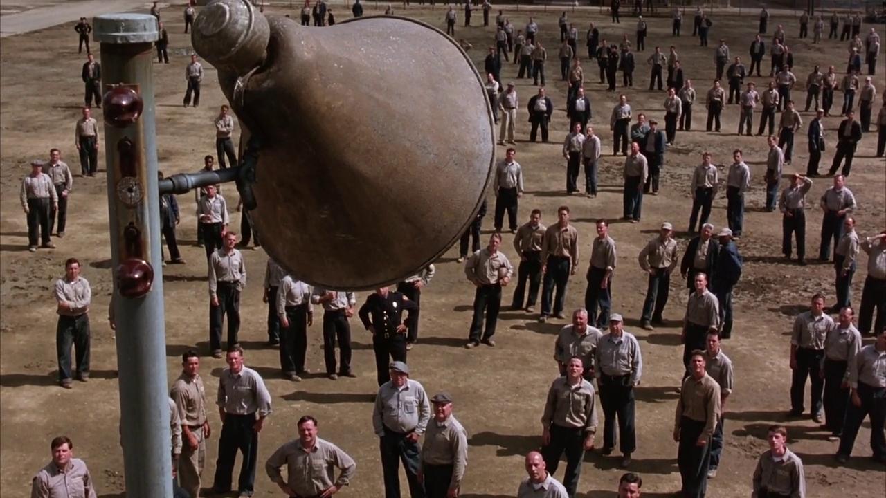 ショーシャンクの空には比喩や反復がいくつも重なる映画