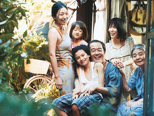 映画『万引き家族』のあらすじ・内容