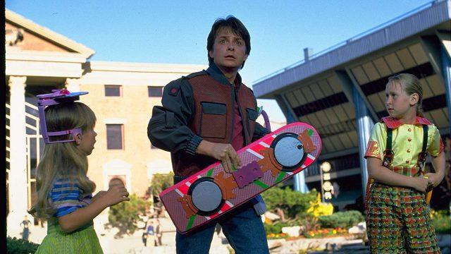 【考察】空飛ぶホバーボードはできた?未来の2015年は実現したのか?