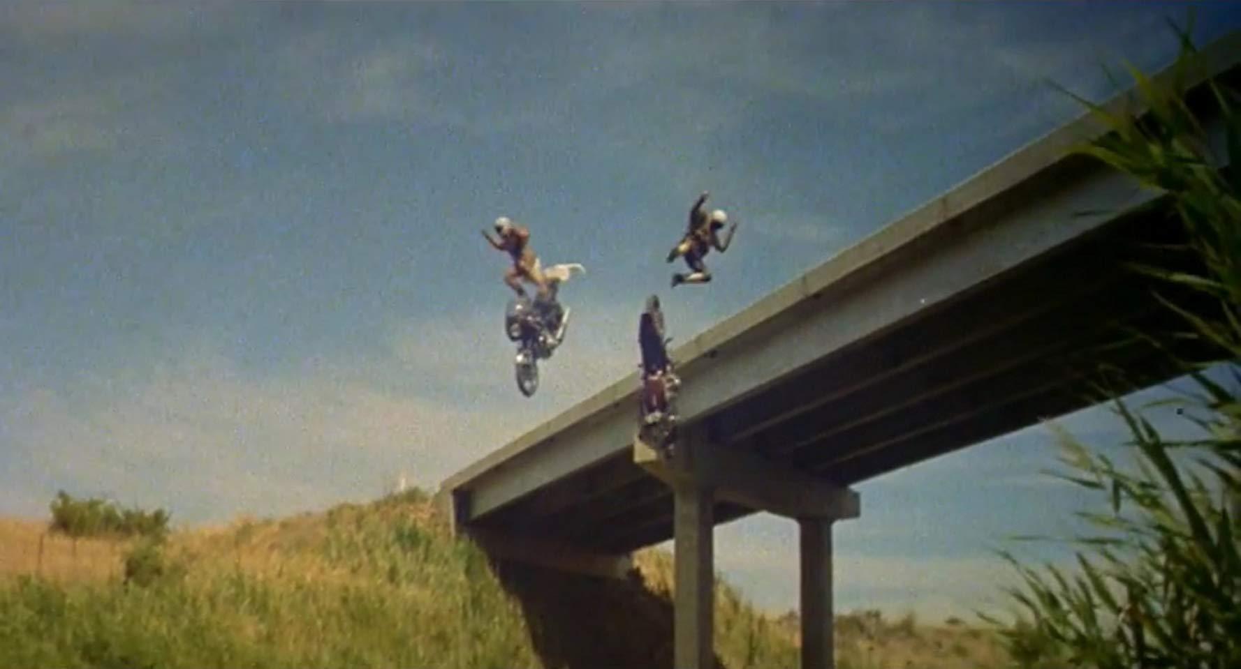映画「マッドマックス」はバイオレンス映画の金字塔となった大傑作!